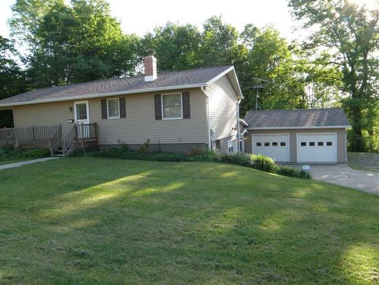 621 East St, Corry, PA 16407