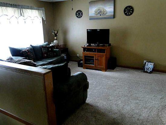 3009 Stratford Ln SW, Cedar Rapids, IA 52404
