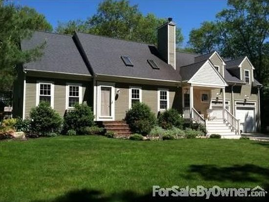 1302 Reed Rd, Dartmouth, MA 02747