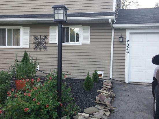 4049 Crescent Dr, North Tonawanda, NY 14120