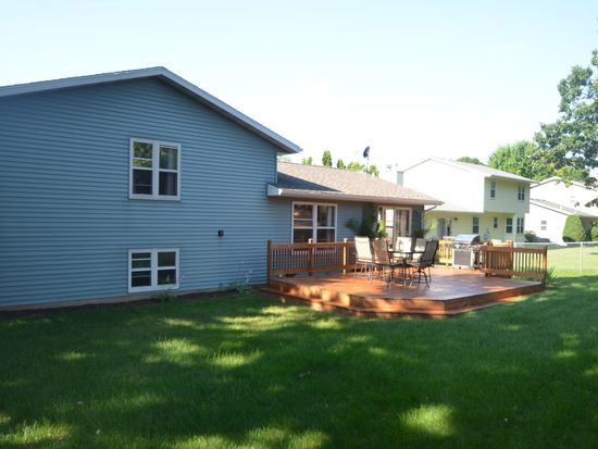 14 Ranch House Ln, Madison, WI 53716