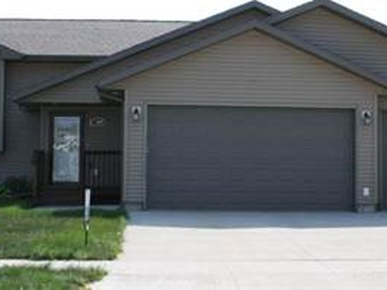 902 S 16th St, Aberdeen, SD 57401