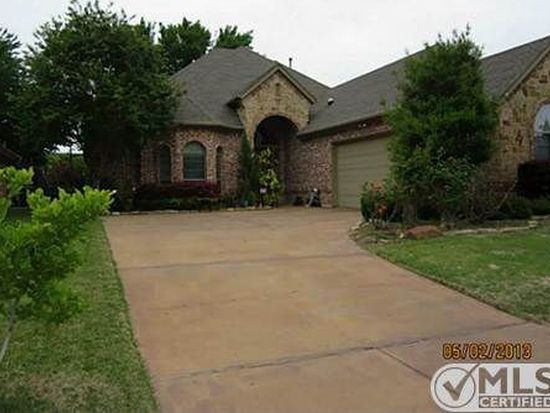 5825 River Meadows Pl, Fort Worth, TX 76112