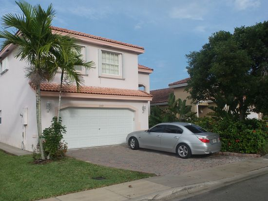1369 SW 106th Ave, Pembroke Pines, FL 33025