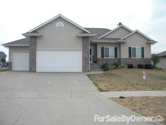 1655 Timber Wolf Dr, North Liberty, IA 52317