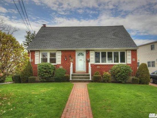 219 W Nicholai St, Hicksville, NY 11801