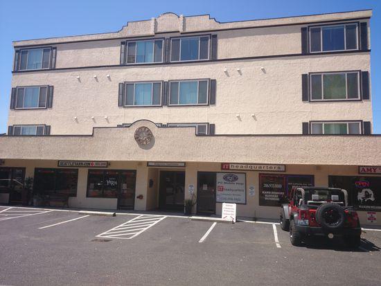 5631 California Ave SW APT 201, Seattle, WA 98136