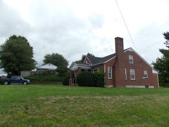 212 Virginia St, Hillsville, VA 24343