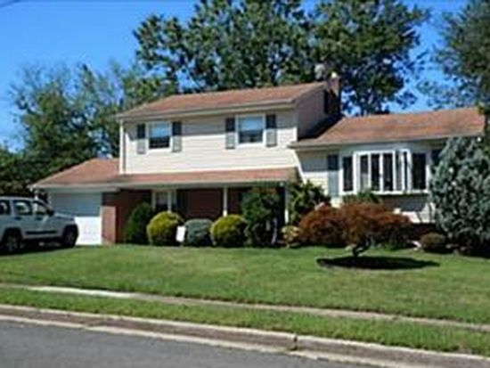 5 Sherold Rd, Colonia, NJ 07067