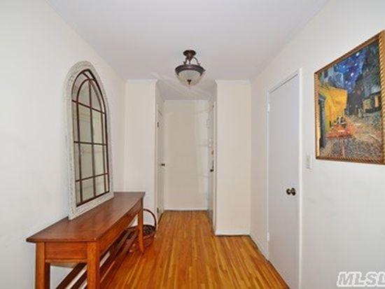 55 Lenox Rd APT 3H, Rockville Centre, NY 11570