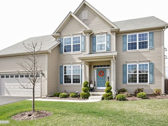 7 Turnberry Ct, Lake In The Hills, IL 60156