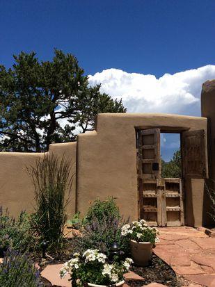 6 Estrella De La Manana, Santa Fe, NM 87508