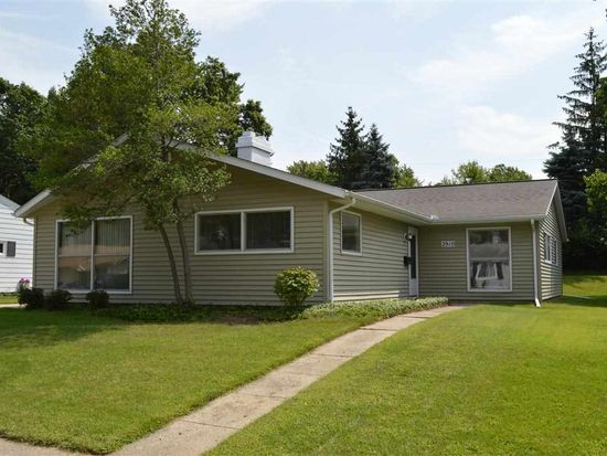 2910 Sampson St, South Bend, IN 46614