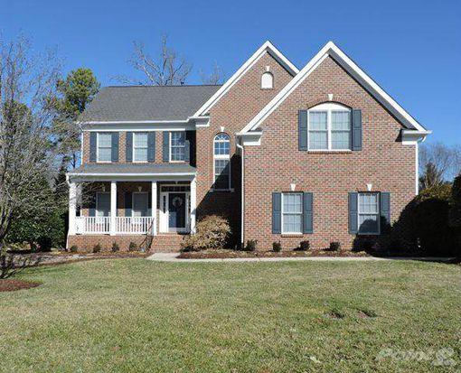 9204 Club Hill Dr, Raleigh, NC 27617