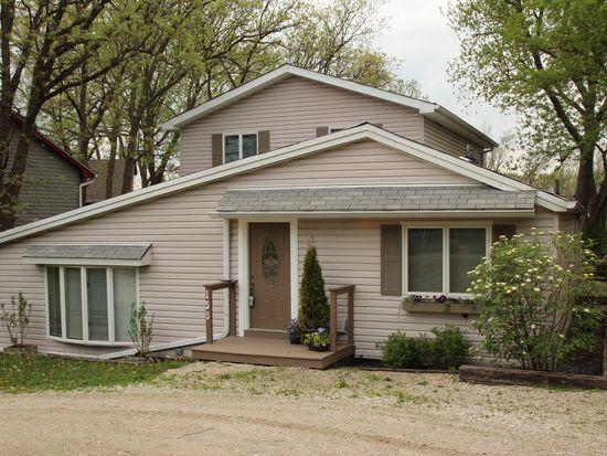16W155 Hillside Ln, Burr Ridge, IL 60527