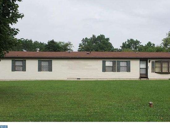 97 Jackson Rd, Gilbertsville, PA 19525