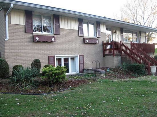 158 Possum Hollow Rd, Greensburg, PA 15601
