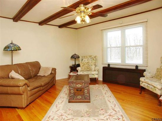 985 Peter Rd, Schenectady, NY 12303