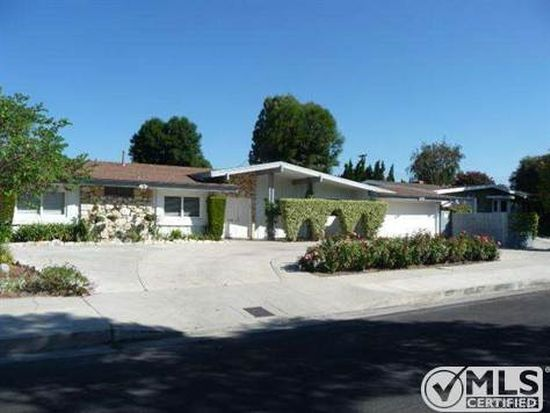 23521 Kivik St, Woodland Hills, CA 91367