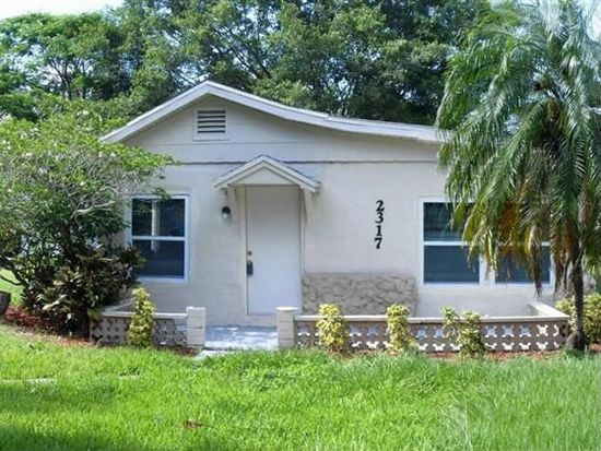 2317 South St, Fort Myers, FL 33901