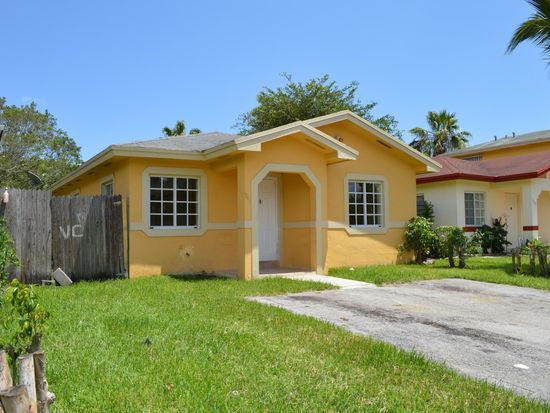 945 SW 8th Pl, Homestead, FL 33034