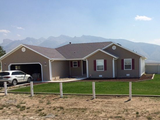 562 Cripple Creek Dr, Spring Creek, NV 89815