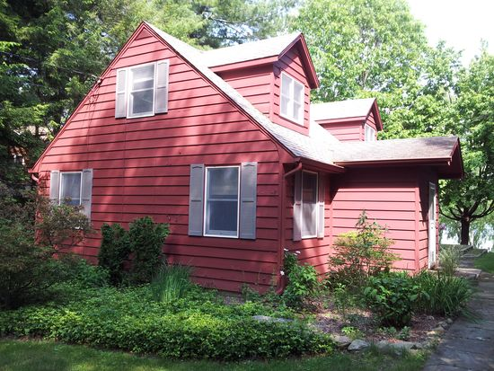 214 Lake Shore Rd, Putnam Valley, NY 10579