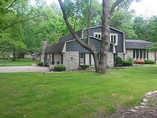 404 Woodland East Dr, Greenfield, IN 46140