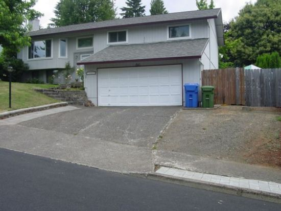 17250 New Cir, Sandy, OR 97055