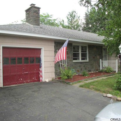 6231 Hawes Rd, Altamont, NY 12009