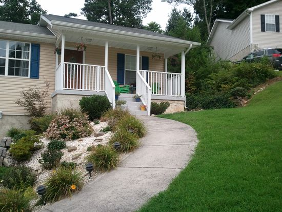 7030 Stanfort Ln, Knoxville, TN 37918