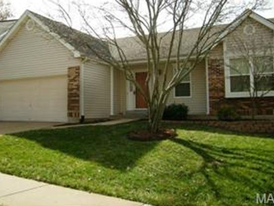 359 Oak Park Village Dr, Grover, MO 63040