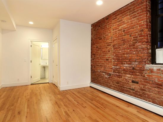 264 Water St APT 1B, New York, NY 10038