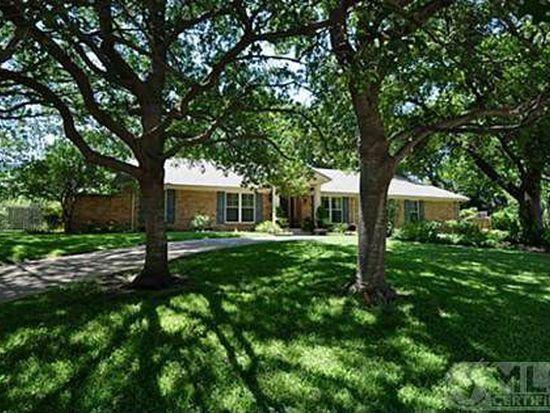 6060 Preston Creek Dr, Dallas, TX 75240