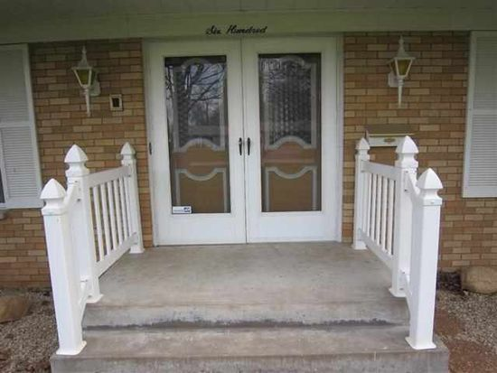600 Forest Rd, East Moline, IL 61244