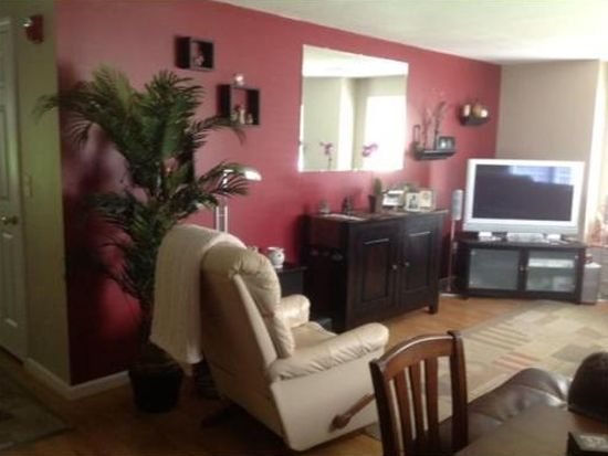 215 Longmeadow Rd UNIT 103, Taunton, MA 02780