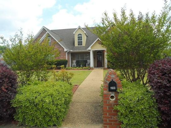 301 Laurel Hill Dr, Starkville, MS 39759