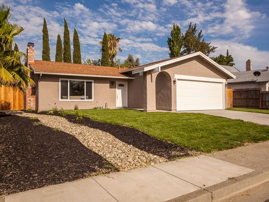 154 Plymouth Ct, Vacaville, CA 95687