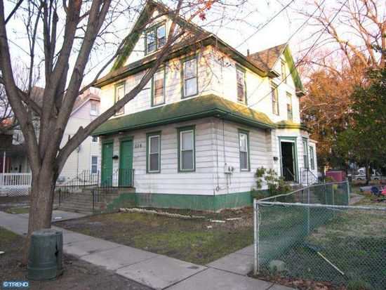 126A Cedar Ave, Woodlynne, NJ 08107