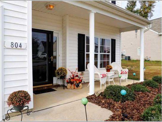804 Red Oak Tree Dr, Fuquay Varina, NC 27526