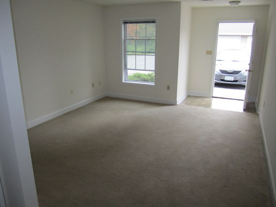 2364 Curry Rd APT 7, Schenectady, NY 12303