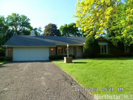 671 Woodridge Dr, Mendota Heights, MN 55118