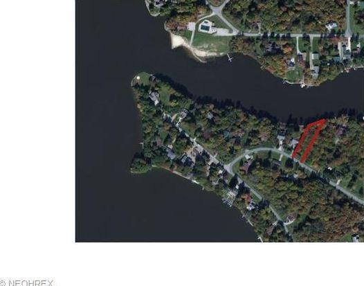 1569 Sugar Creek Dr, Roaming Shores, OH 44084