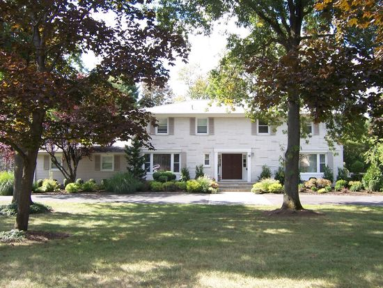 9 Goodhart Dr, Livingston, NJ 07039