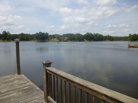 553 Day Lake Dr, Midland, GA 31820