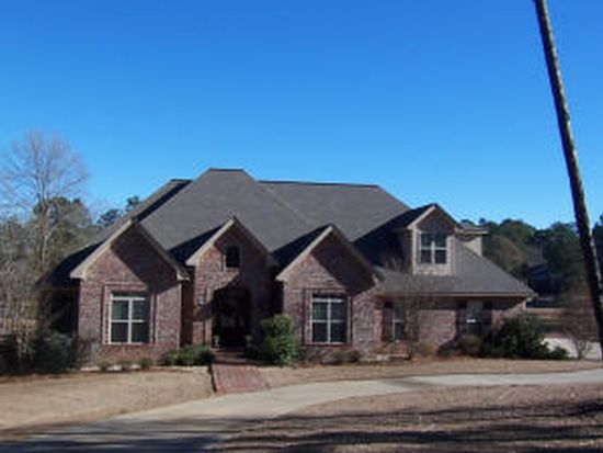 121 Lake Estates Dr, Hattiesburg, MS 39402