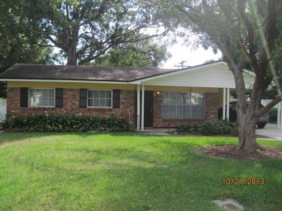 930 W Cimmeron Dr, Tampa, FL 33603