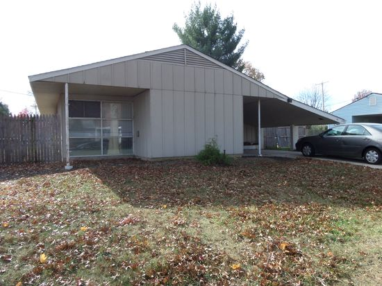 60 Forest Ln, Levittown, PA 19055