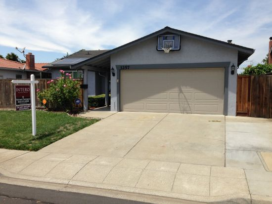 1257 Olympic Dr, Milpitas, CA 95035