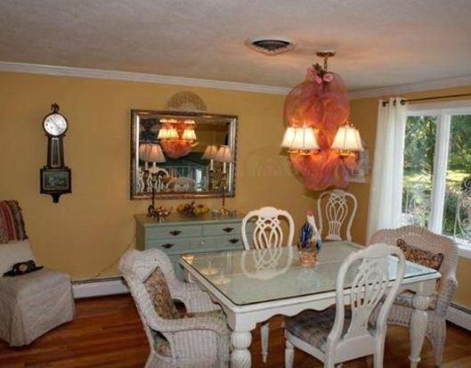 33 Chestnut Rd, North Kingstown, RI 02852